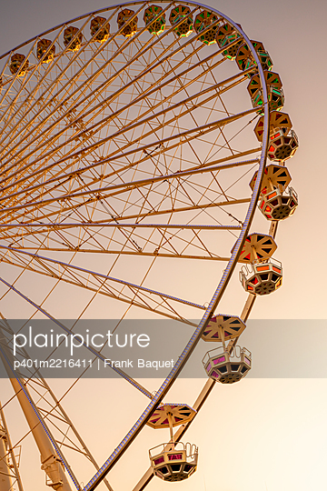 Ferris wheel - p401m2216411 by Frank Baquet
