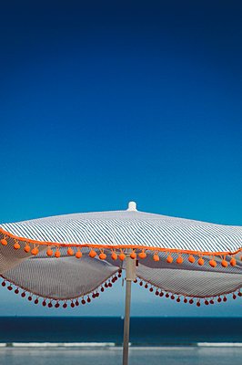 Parasol on the beach - p1150m2260477 by Elise Ortiou Campion
