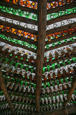 Flaschendach - p375m1563871 von whatapicture