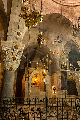 Chapel, Church of the Holy Sepulchre, Old City, Christian Quarter, Jerusalem, UNESCO World Heritage Site, Israel, Middle East - p871m1136127 by Eleanor Scriven