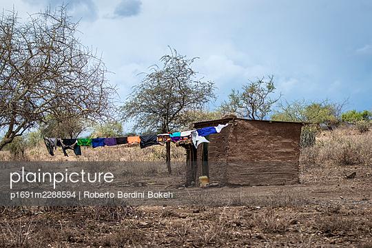 Adobe house Tanzania - p1691m2288594 by Roberto Berdini Bokeh
