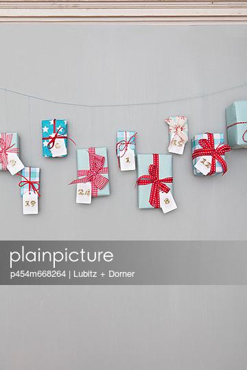 Christmas decoration - p454m668264 by Lubitz + Dorner