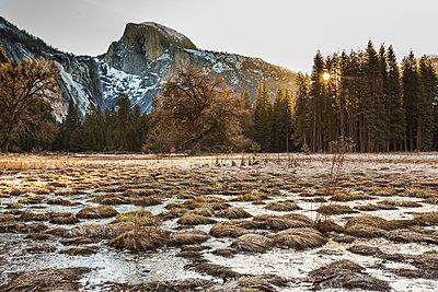Lake against mountains - p1166m1546125 by Cavan Social