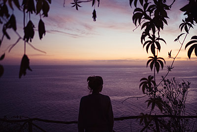 Portugal, Madeira, Sunset by the sea - p1600m2175715 by Ole Spata