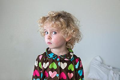 Mädchen, Porträt - p836m1492691 von Benjamin Rondel