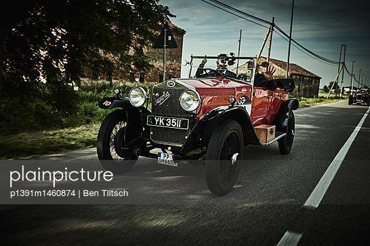 p1391m1460874 by Ben Tiltsch