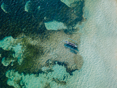 Aerial view of traditional boat - p1166m2157323 by Cavan Images