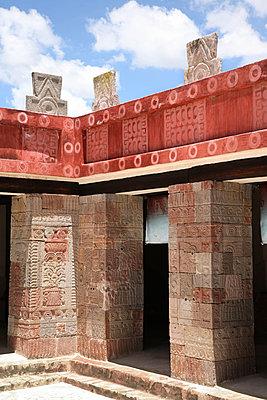 Tempel Quetzalpapálotl - p375m1563892 von whatapicture