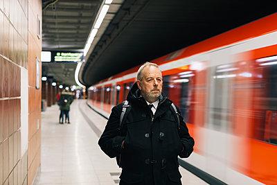 p834m2164435 by Jakob Börner