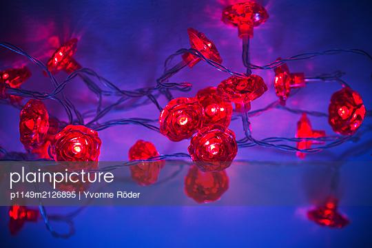 Christmas decoration - p1149m2126895 by Yvonne Röder