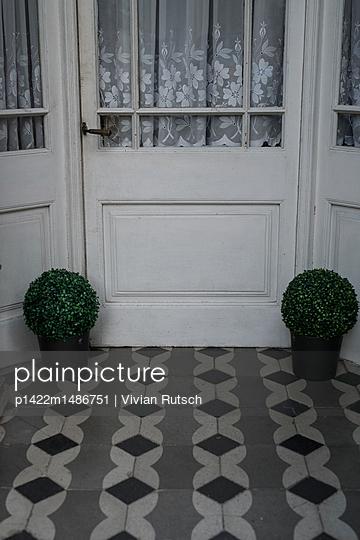 Haustür in Perpignan - p1422m1486751 von Vivian Rutsch