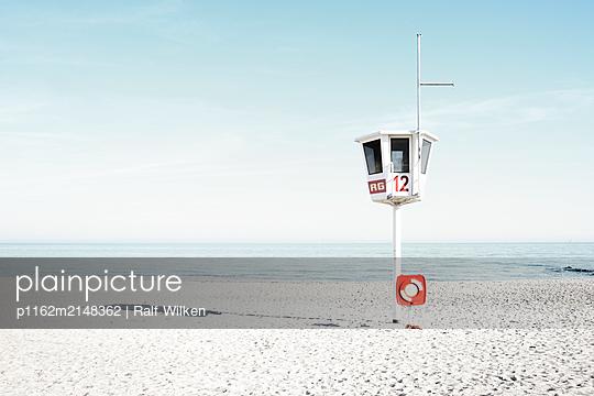 p1162m2148362 by Ralf Wilken