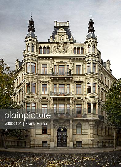 Jugendstil Mietshaus Beethovenstraße - p3900101 von Frank Herfort