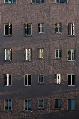 Offene Fenster - p1094m890301 von Patrick Strattner