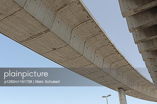 Brücke Unterseite in Marseille - p1292m1161738 von Niels Schubert