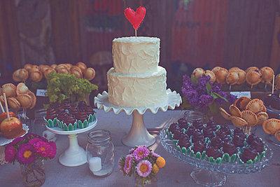 Hochzeitsbuffet - p582m749141 von our labor of love