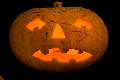 Jack-o'-lantern - p1057m908297 by Stephen Shepherd