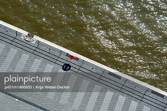 p451m1466930 by Anja Weber-Decker