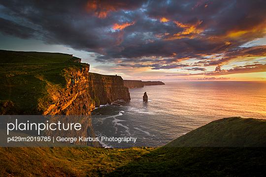 p429m2019785 von George Karbus Photography