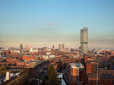Hilton Hotel Tower, 303 Deansgate, Manchester. - p8550697 by Daniel Hopkinson