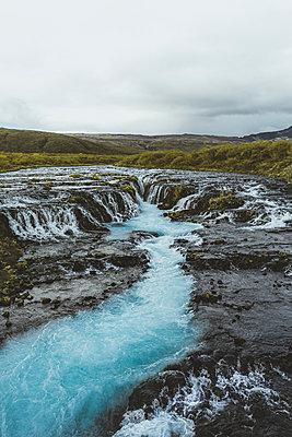 Waterfall Bruarfoss - p1634m2210340 by Dani Guindo