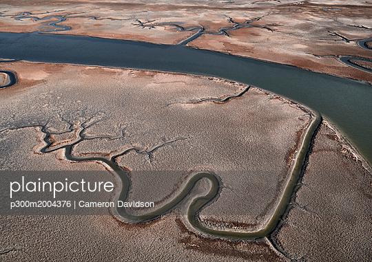 USA, Virginia, Aerial view of Virginia Coast Reserve, marshland - p300m2004376 von Cameron Davidson