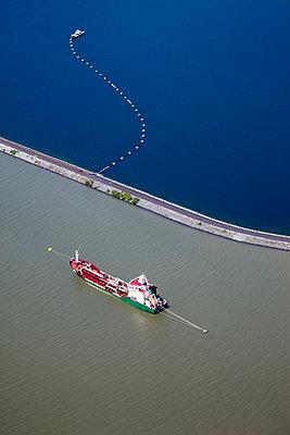 Anchoring - p1120m945856 by Siebe Swart