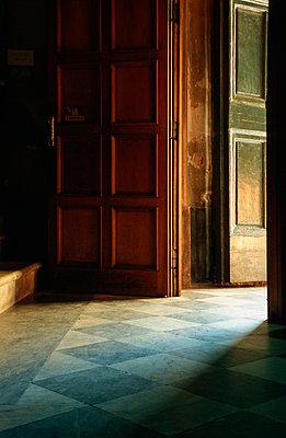 Kirchentür in Pisa - p3300191 von Harald Braun