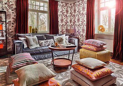 Villa mit luxuriöser Inneneinrichtung - p390m1362310 von Frank Herfort