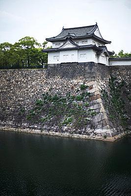 Osaka Castle Turret - p579m1042570 by Yabo