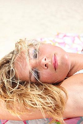 Summertime - p045m907342 by Jasmin Sander