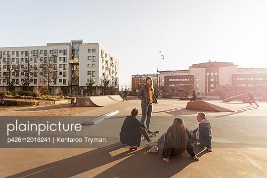 p426m2018241 von Kentaroo Tryman