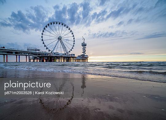 p871m2003528 von Karol Kozlowski photography