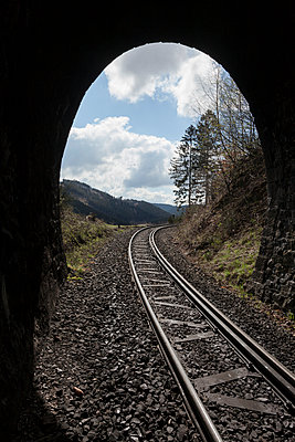 Tunnel - p1208m1051325 by Wisckow