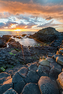 Giants Causeway at sunset, UNESCO World Heritage Site, County Antrim, Ulster, Northern Ireland, United Kingdom, Europe - p871m1480660 by francesco vaninetti