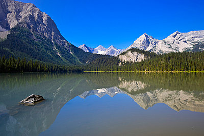 Mountain lake in Elk Lakes Provincial Park, British Columbia, Canada - p4429526f by Design Pics
