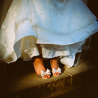 Wedding shoes and bridal dress - p1616m2187730 by Just - Schmidt