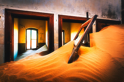 Kolmanskop, Luderitz, Namibia, Africa. Inside of an abandoned building. - p651m2033354 by Marco Bottigelli