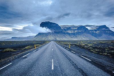 Iceland - p1512m2037959 von Katrin Frohns