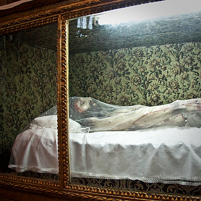 Dead Jesus in Clerigos church - p1513m2043980 by ESTELLE FENECH