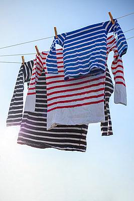 Wäsche an Wäscheleine - p1156m2086954 von miep