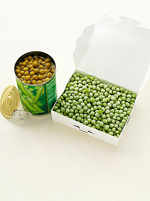 Canned peas with frozen peas - p429m757490f by BRETT STEVENS