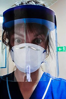 Gestresste Krankenschwester - p1418m2177899 von Jan Håkan Dahlström