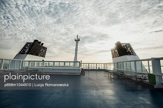 Auf dem Deck - p858m1044510 von Lucja Romanowska