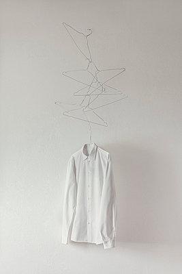 Weißes Hemd - p4380072 von Laura Petermann