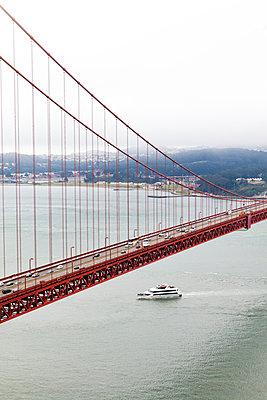 Golden Gate Bridge - p756m1057207 von Bénédicte Lassalle