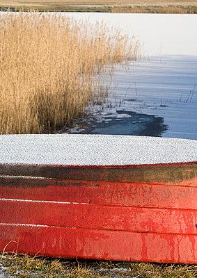 Umgedrehtes Boot - p2400350 von Valerie Wagner