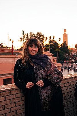 Girl in Marrakech - p1507m2043515 by Emma Grann