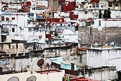 Rooftops of Tangier medina; Tangier, Morocco - p442m1179914 by Alexander Macfarlane