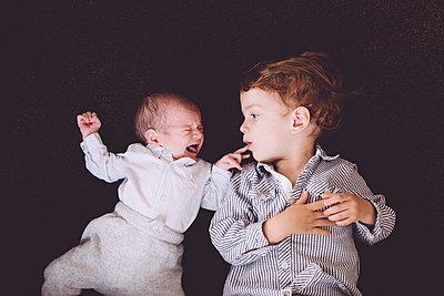 Geschwister - p809m1128879 von Angela Elbing